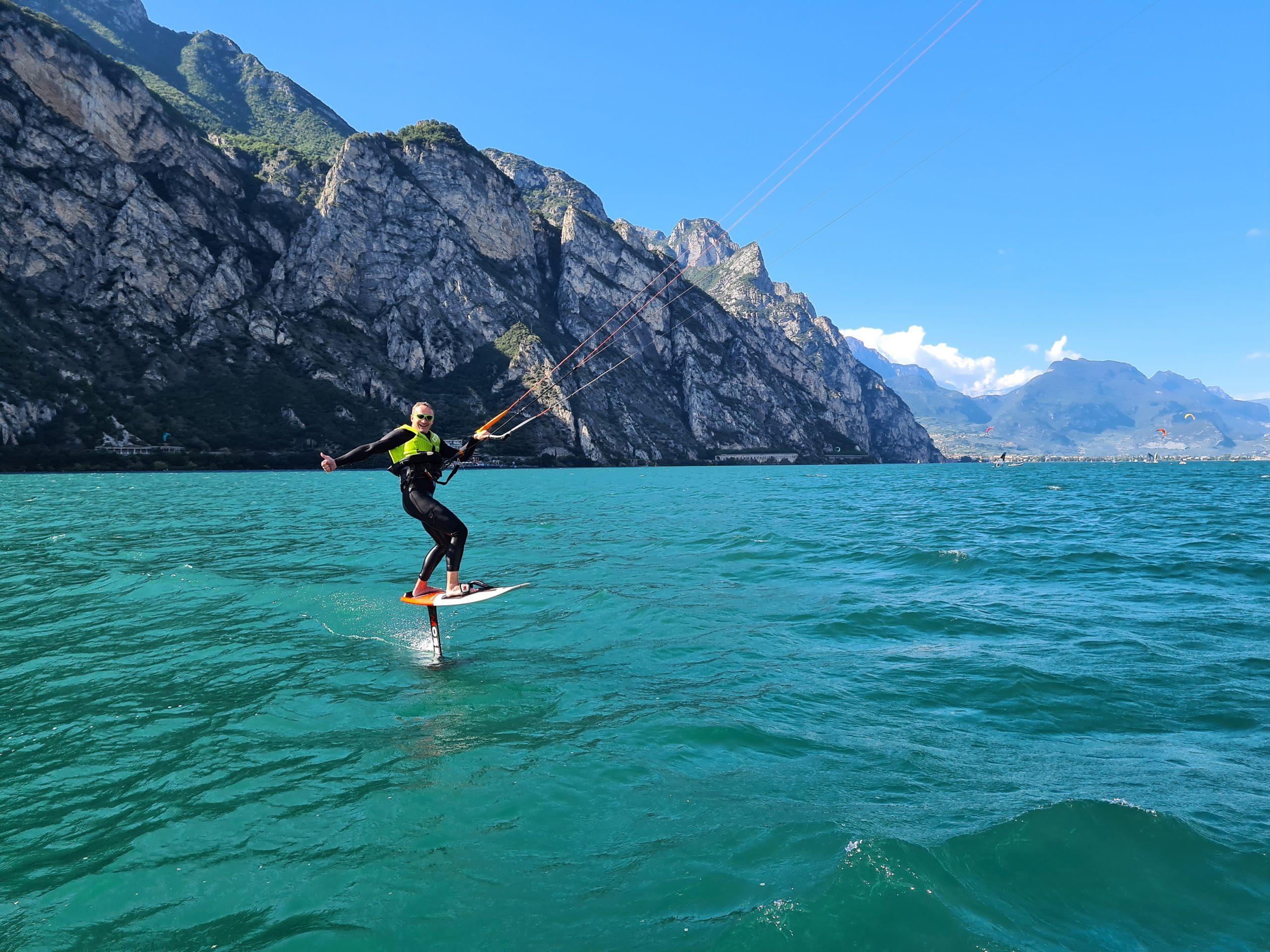 Lezioni di Hydrofoil kitesurf sul Lago di Garda