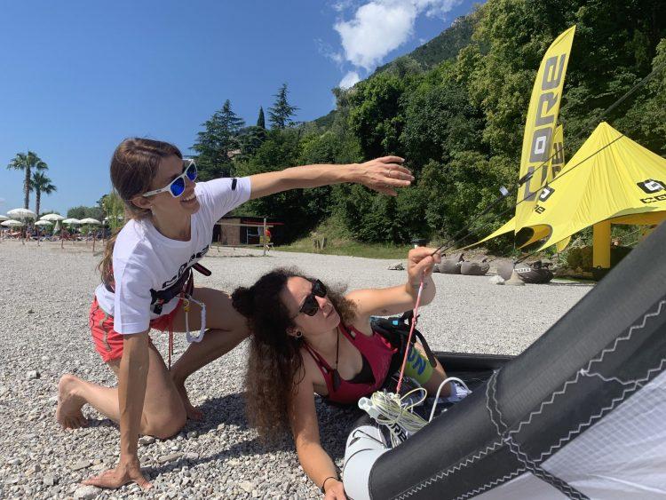lezioni di auto soccorso con scuola di kitesurf Wind Riders