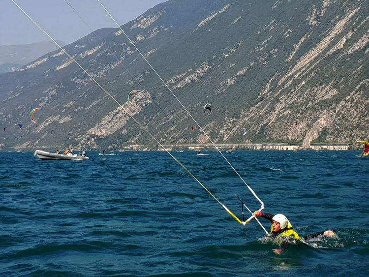 Upwind bodydragging on Lake Garda