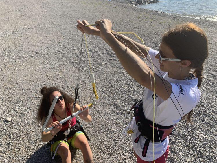 beginner kitesurf lesson on the beach of Wind Riders