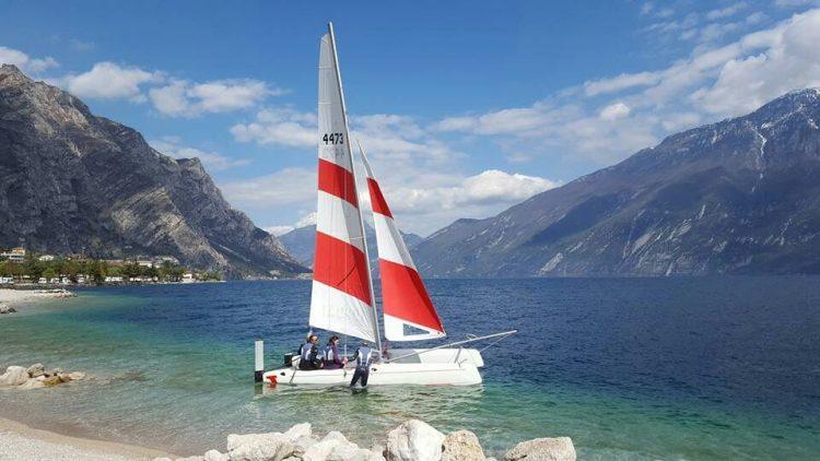 splash lezione con Limone Watersports sul Lago di Garda