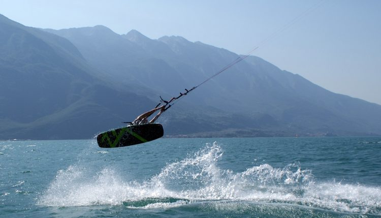 F16 kitesurf trick on lake Garda